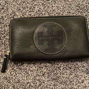 Tory Burch Black Wallet gently used